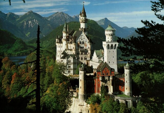 File:Neuschwanstein real.jpg
