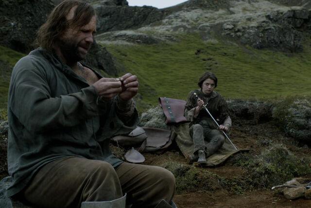 File:Arya and Sandor - Mockingbird -2.jpg