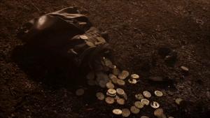 704 Bronn bag of gold coins