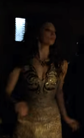 File:504 Margaery costume full view.png