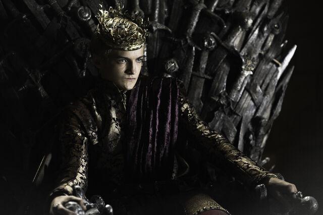 ファイル:Joffrey throne season 2.jpeg