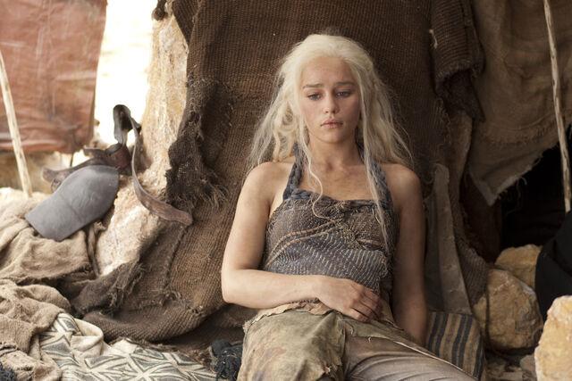 Файл:Daenerys 202.jpg