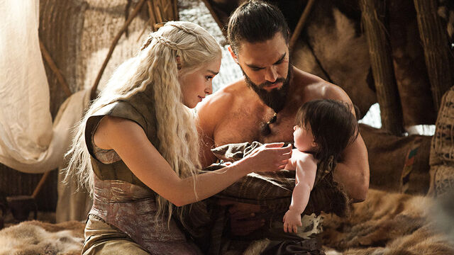 File:Dany Drogo with Rhaego Valar.jpg