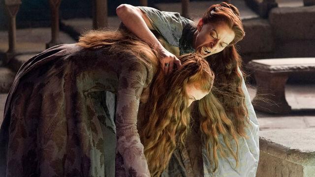 File:Sansa Stark and Lysa Arryn 4x07.jpg