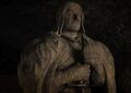702-Eddard's-statue-in-the-crypt.jpg