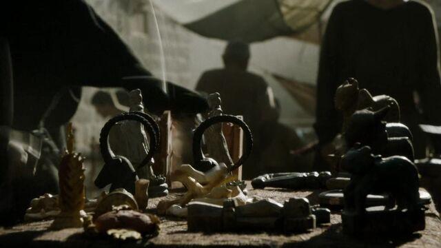 File:504 Idols in King's Landing market.jpg
