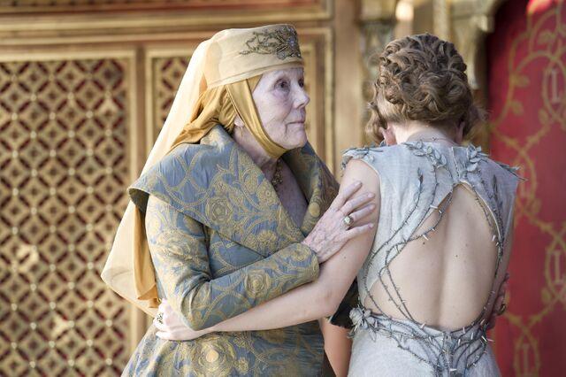 File:Margaery averts gaze from Joffrey's death.jpg