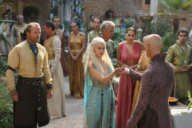 File:Daenerys and Pyat Pree in Qarth.jpg