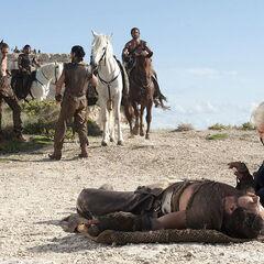 Дейенеріс і Дрого після падіння з коня.