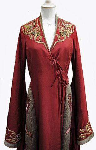 File:Cersei costume embroidery 3.jpg