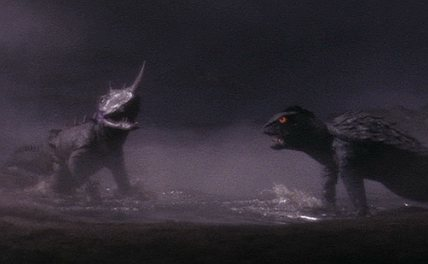 File:Barugon vs. Gamera 2.jpg