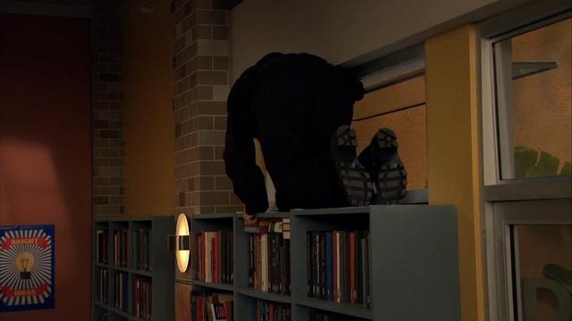 File:Season 1, Episode 2 - Wendell on shelf.png
