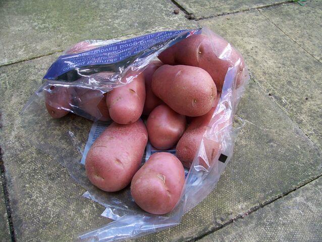 File:Potato Désirée.jpg