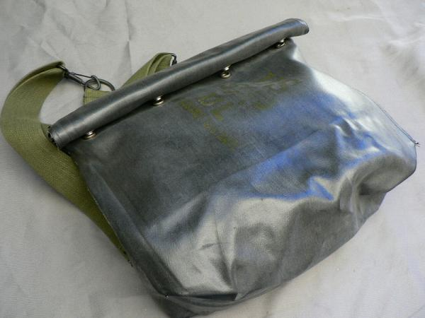File:U.S. M5-11-7 Army Assault Gas Mask (8).jpg