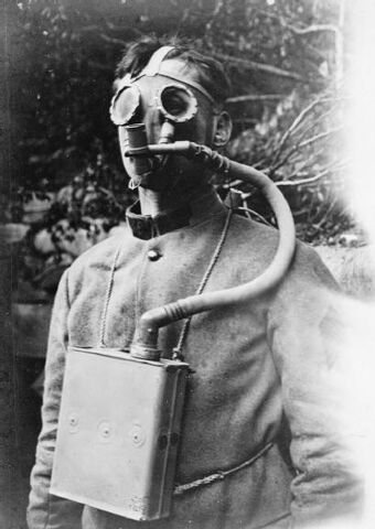 File:French Tissot Apparatus, Small Model A.K.A. Tissot Large Box Respirator, 1917.jpg