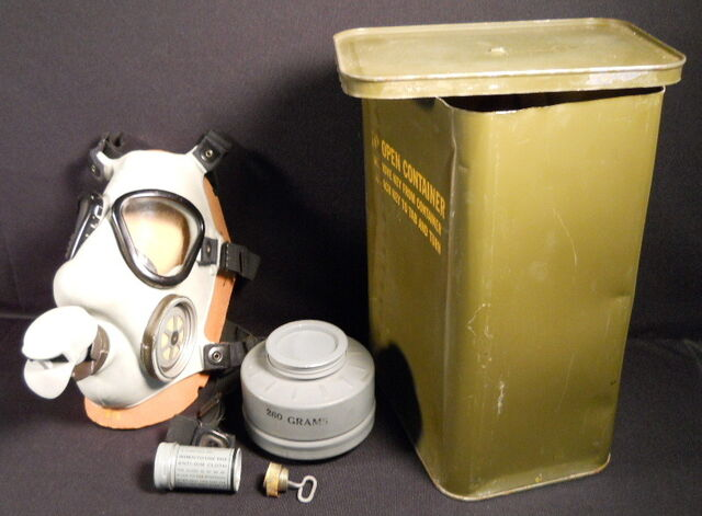 File:Mask, Field Protective, Chemical-Biological, M9A1.jpg