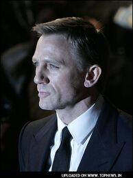 Daniel-Craig7