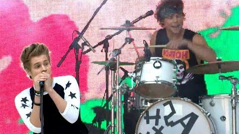 5 Seconds Of Summer - Teenage Dream (Katy Perry Cover) (Summertime Ball 2014)