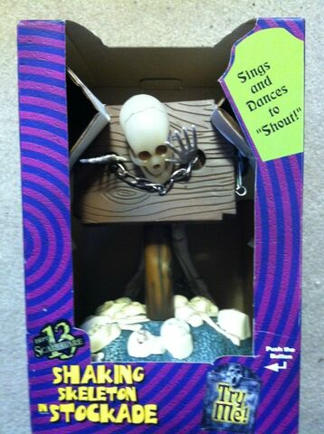 File:Animated shaking stockade skeleton.jpg