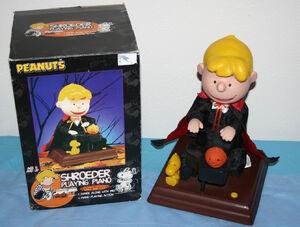 Gemmy Halloween PEANUTS Phantom Schroeder Playing Piano Animated Musical 2