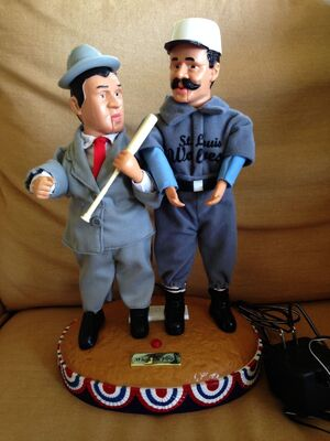 Animated Abbott & Costello figures whos on first moving talking dolls