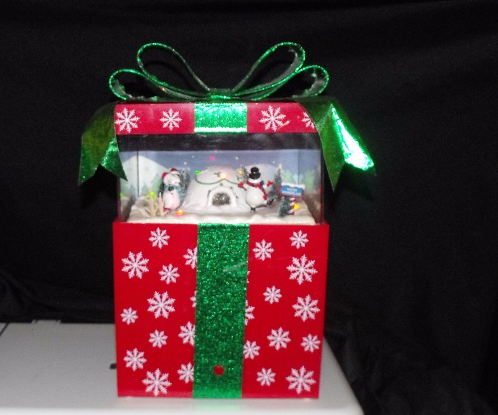 Musical christmas ornaments that play music - Gemmy Musical Pop Up Christmas Present Music Box Plays Popular Songs Music 4 Jpg