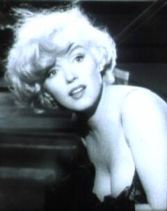 Marilyn Monroe in Some Like it Hot trailer cropped