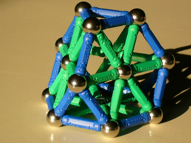 File:Truncated tetrahedron a13.JPG