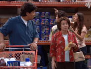 Ep. 2x1 - Benny hears Cecila at the grocery store
