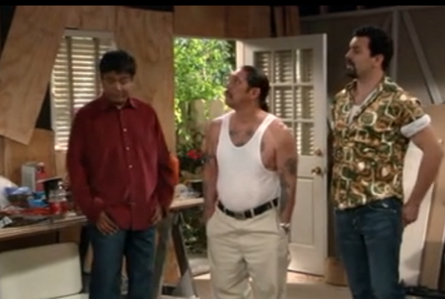 File:Ep 4x22 - Bobby and Victor look over the garage.png