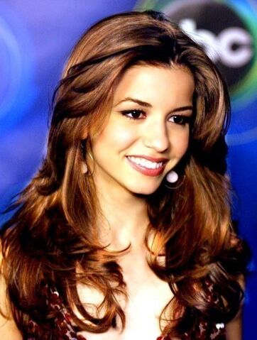 File:Simply-gorgeous-masiela-lusha-10881832-453-600.jpg