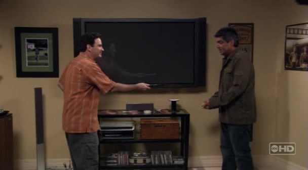 File:Ep 6x3 - George and Ernie test out new HDTV.jpg
