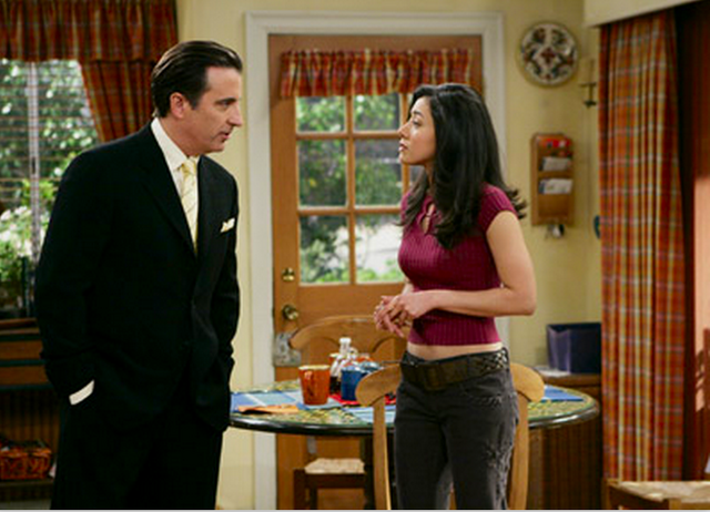 File:Ep 5x17 - Ray visits daughter Veronica.png