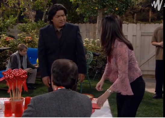 File:GL ep 2x14 - George and Angie's backyard party.jpg