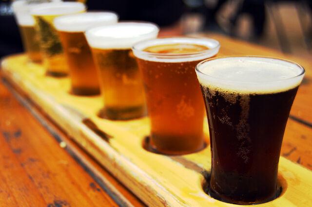 File:Beer-flight.jpg-.jpg