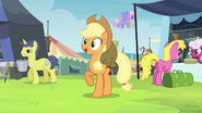 Applejack finds Rarity in the crowd S4E22
