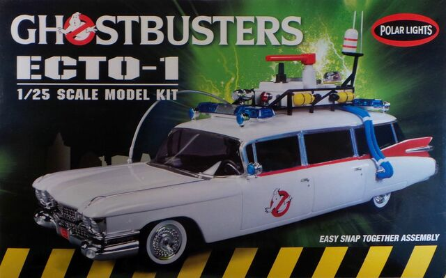 File:Polar Lights Ecto-1 Snap Model 2013 Re-Release Box Front.jpg