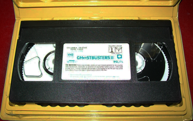 File:GhostbustersIIVHSGoldenClamshell1995Sc03.png