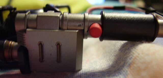 File:GB2016 Mini Proton Pack Kit11 wand button.jpg