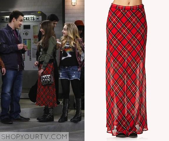 File:Riley plaid skirt.png