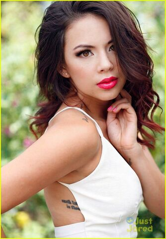 File:Janel-parrish-afterglow-mag-04.jpg