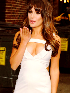 File:Lea's dress for DLetterman Interview3.png