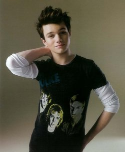 File:Chris colfer.jpg