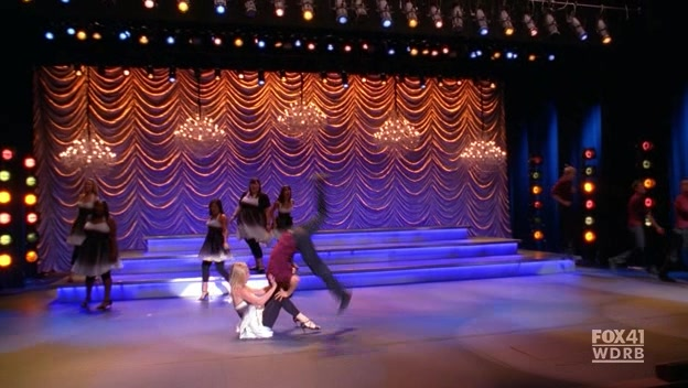 File:Glee.S02E09.HDTV.XviD-LOL 4803.jpg