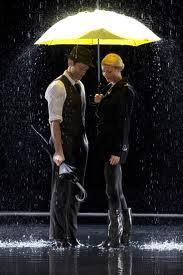 File:Sining in da rain.jpg