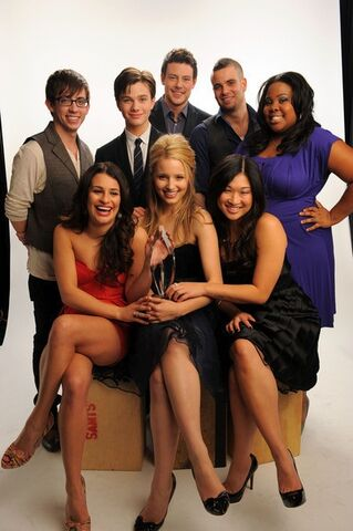 File:The Glee Cast.jpg