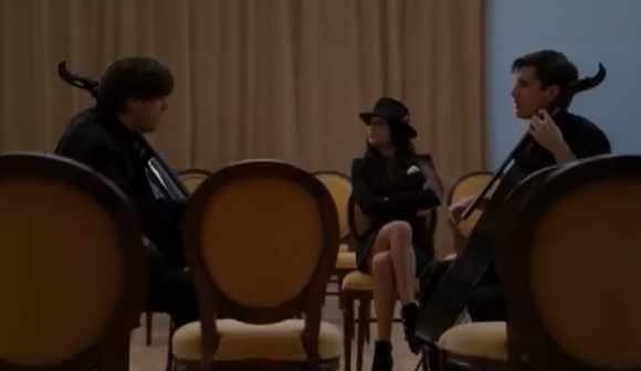 File:4b4ab7a0ac8d6f242ec5d2d9538bc86d8b4ef3ee-Glee-Smooth-Criminal-Official-Video.jpg