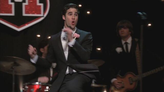 File:Glee220-0910-1.jpg