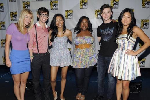 File:Glee-at-comic-con 518x345.jpg
