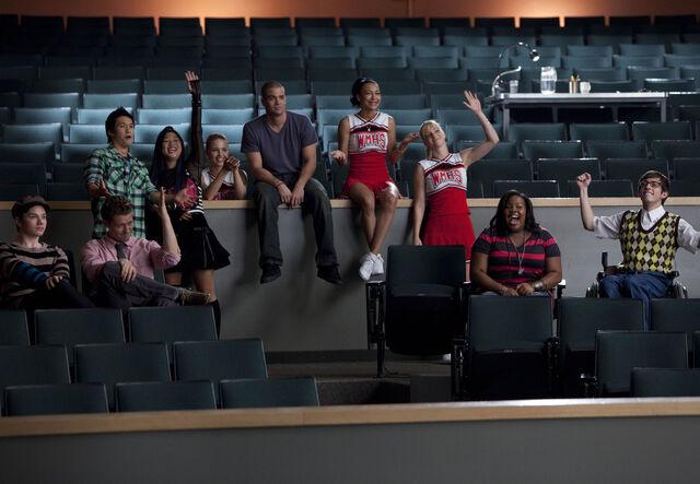 File:Glee-Season-2-Promotional-Photos-2x01-Audition-glee-15169940-2560-1772.jpg